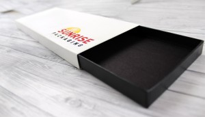 Black_and_white_custom_sleeve_box_from_Sunrise_Packaging_opened